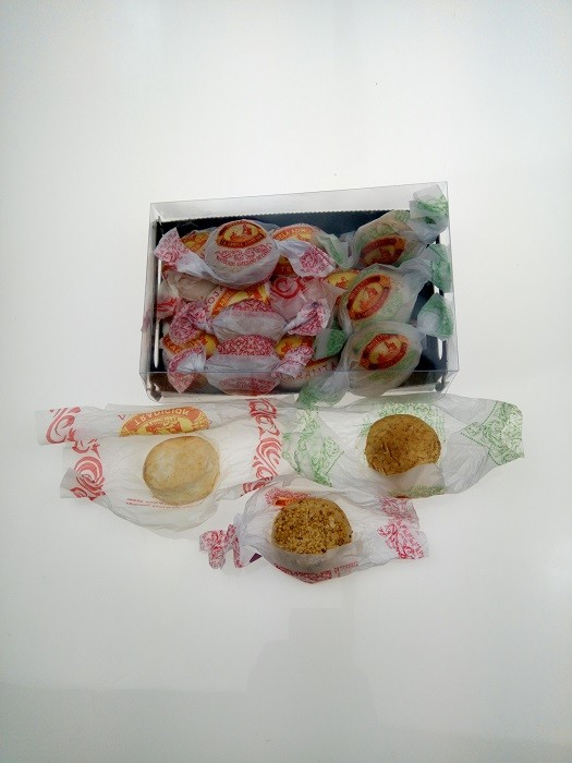 Caja surtida de mantecados de canela,chocolate y hojaldras de naranja 400g